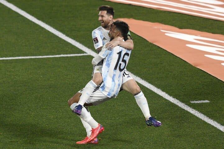 Gol-de-Messi-festejo-Monumental_01